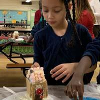 Making Gingerbread House